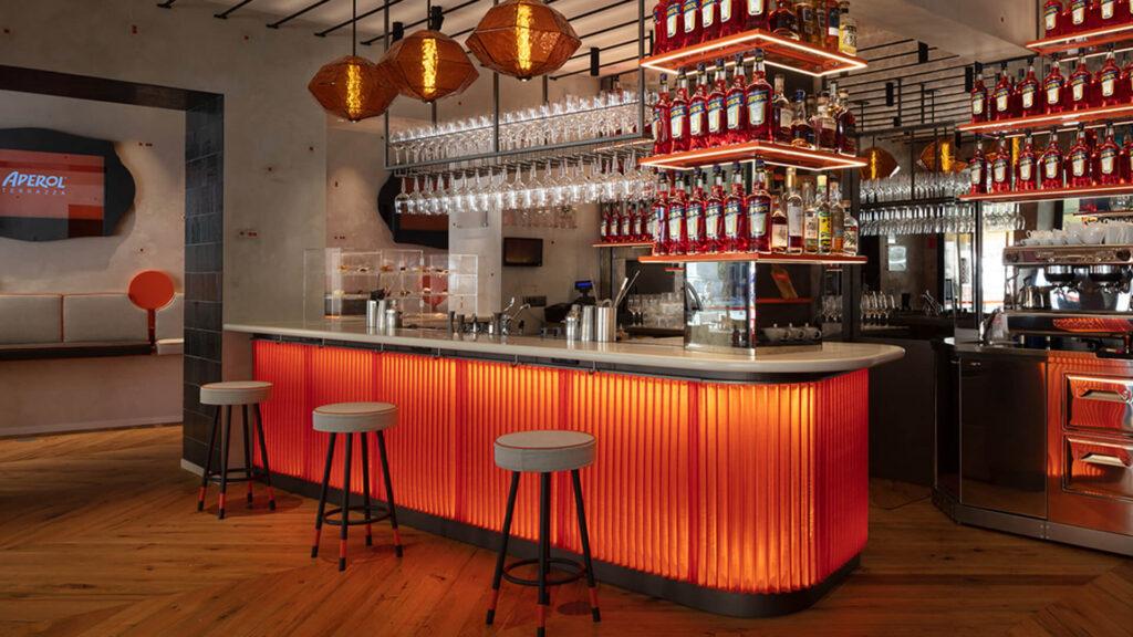 Σχεδιασμός μπαρ Σχεδιασμός bar Σχεδιασμός εστιατορίου Bar-εστιατόριο Βενετία Aperol Spritz Bar design Restaurant design Bar-restaurant design Bar restaurant design Venice sxediasmos mpar estiatoriou benetia venetia